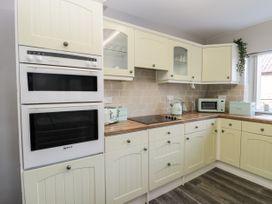 8 Coronation Avenue - North Yorkshire (incl. Whitby) - 1081722 - thumbnail photo 16