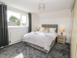 8 Coronation Avenue - North Yorkshire (incl. Whitby) - 1081722 - thumbnail photo 24
