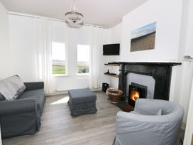 Pow-Wow Shore Cottage - Scottish Lowlands - 1081861 - thumbnail photo 4