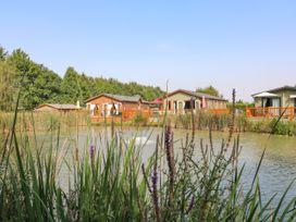 The Lake House - Lincolnshire - 1082125 - thumbnail photo 1