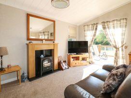 The Lake House - Lincolnshire - 1082125 - thumbnail photo 2