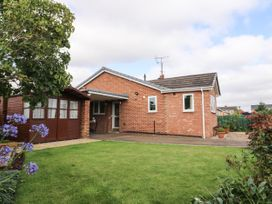 The Corner Bungalow - North Yorkshire (incl. Whitby) - 1082200 - thumbnail photo 2