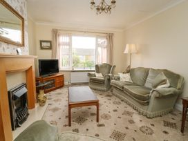 The Corner Bungalow - North Yorkshire (incl. Whitby) - 1082200 - thumbnail photo 5