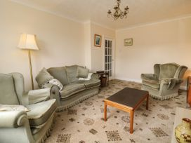 The Corner Bungalow - North Yorkshire (incl. Whitby) - 1082200 - thumbnail photo 6