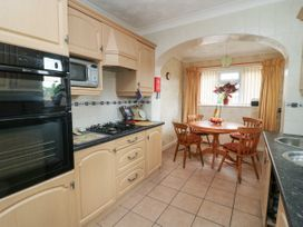 The Corner Bungalow - North Yorkshire (incl. Whitby) - 1082200 - thumbnail photo 8