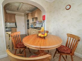 The Corner Bungalow - North Yorkshire (incl. Whitby) - 1082200 - thumbnail photo 9