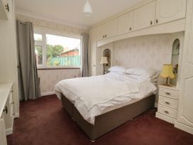 The Corner Bungalow - North Yorkshire (incl. Whitby) - 1082200 - thumbnail photo 10