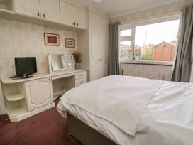 The Corner Bungalow - North Yorkshire (incl. Whitby) - 1082200 - thumbnail photo 12