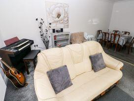 23 Charles Thomas Avenue - South Wales - 1083102 - thumbnail photo 6