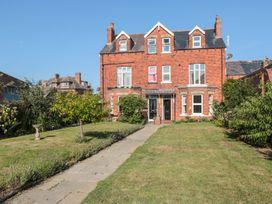 Flat 2, Mindello House - North Yorkshire (incl. Whitby) - 1083631 - thumbnail photo 1