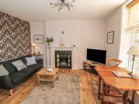 Flat 2, Mindello House - North Yorkshire (incl. Whitby) - 1083631 - thumbnail photo 2