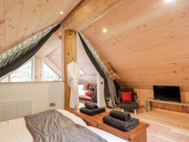 Pine Marten Lodge - Scottish Highlands - 1084022 - thumbnail photo 16