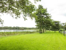 Lakeside Cottage - North Wales - 1084090 - thumbnail photo 20