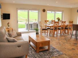 Holly Lodge - Mid Wales - 1084325 - thumbnail photo 4