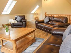 Holly Lodge - Mid Wales - 1084325 - thumbnail photo 19