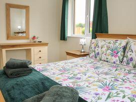 Holly Lodge - Mid Wales - 1084325 - thumbnail photo 22