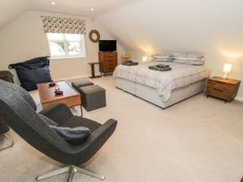 The Studio at Church House - Cotswolds - 1084375 - thumbnail photo 7