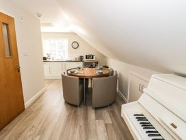The Studio at Church House - Cotswolds - 1084375 - thumbnail photo 9