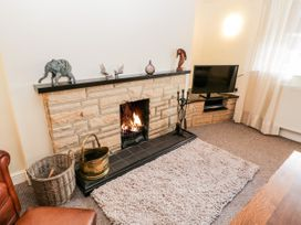 Manor House Farm Cottage - North Yorkshire (incl. Whitby) - 1084493 - thumbnail photo 5