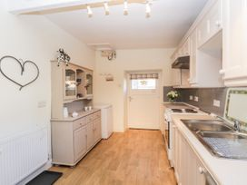 Manor House Farm Cottage - North Yorkshire (incl. Whitby) - 1084493 - thumbnail photo 7