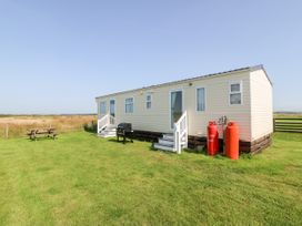 Trewan Chalet - Anglesey - 1084565 - thumbnail photo 1