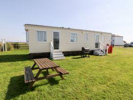 Trewan Chalet - Anglesey - 1084565 - thumbnail photo 2