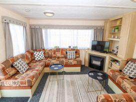 Trewan Chalet - Anglesey - 1084565 - thumbnail photo 3