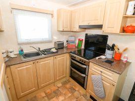 Trewan Chalet - Anglesey - 1084565 - thumbnail photo 6