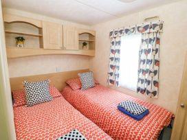 Trewan Chalet - Anglesey - 1084565 - thumbnail photo 7