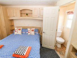 Trewan Chalet - Anglesey - 1084565 - thumbnail photo 8