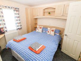 Trewan Chalet - Anglesey - 1084565 - thumbnail photo 9