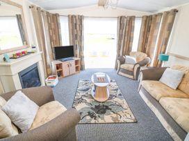 Trewan Lodge - Anglesey - 1084566 - thumbnail photo 2