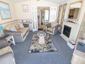 Trewan Lodge - Anglesey - 1084566 - thumbnail photo 3