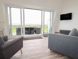 Beachview Apartment 7 - Cornwall - 1084766 - thumbnail photo 4