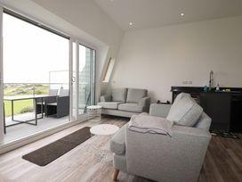 Beachview Apartment 8 - Cornwall - 1084767 - thumbnail photo 4