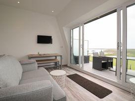 Beachview Apartment 8 - Cornwall - 1084767 - thumbnail photo 5