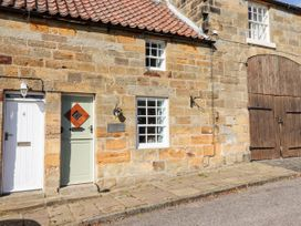 Michaelmass Cottage - North Yorkshire (incl. Whitby) - 1085226 - thumbnail photo 2