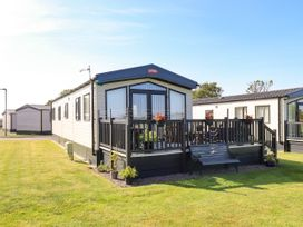 Sunflower Lodge - Lake District - 1085242 - thumbnail photo 1