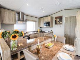Sunflower Lodge - Lake District - 1085242 - thumbnail photo 11