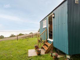 Seashore Shepherds Hut @ Moat Farm - Lake District - 1085409 - thumbnail photo 18