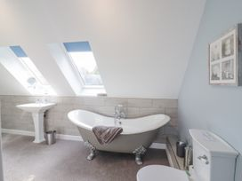 The Pool House - Central England - 1085534 - thumbnail photo 14