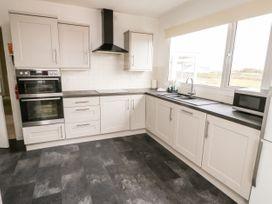 Moorside - Anglesey - 1085587 - thumbnail photo 6