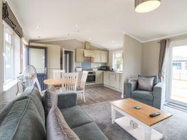 Lodge 47 - Suffolk & Essex - 1085822 - thumbnail photo 6