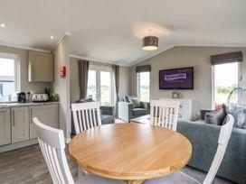 Lodge 47 - Suffolk & Essex - 1085822 - thumbnail photo 9