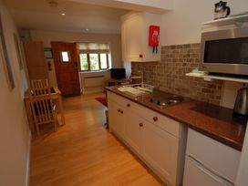 Stable Cottage - Somerset & Wiltshire - 1086205 - thumbnail photo 3