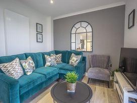 Trem Y Borth Apartment - North Wales - 1086941 - thumbnail photo 4