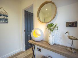 Trem Y Borth Apartment - North Wales - 1086941 - thumbnail photo 7