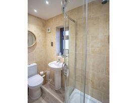 Trem Y Borth Apartment - North Wales - 1086941 - thumbnail photo 8