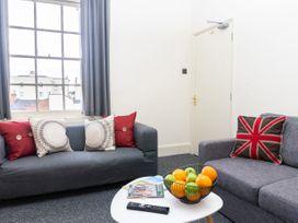 Top Floor Apartment - Cotswolds - 1087394 - thumbnail photo 3