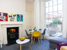 Ground Floor Apartment - Cotswolds - 1087406 - thumbnail photo 2